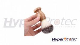 Blaireau de barbier avec manche en bois