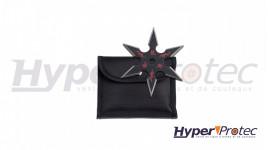 Un shuriken à 6 branche noir avec logo rouge