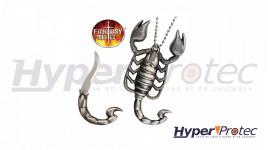 Collier avec pendentif en forme de scorpion avec lame cachée