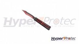 Un couteau papillon Lame et manche noir et rouge